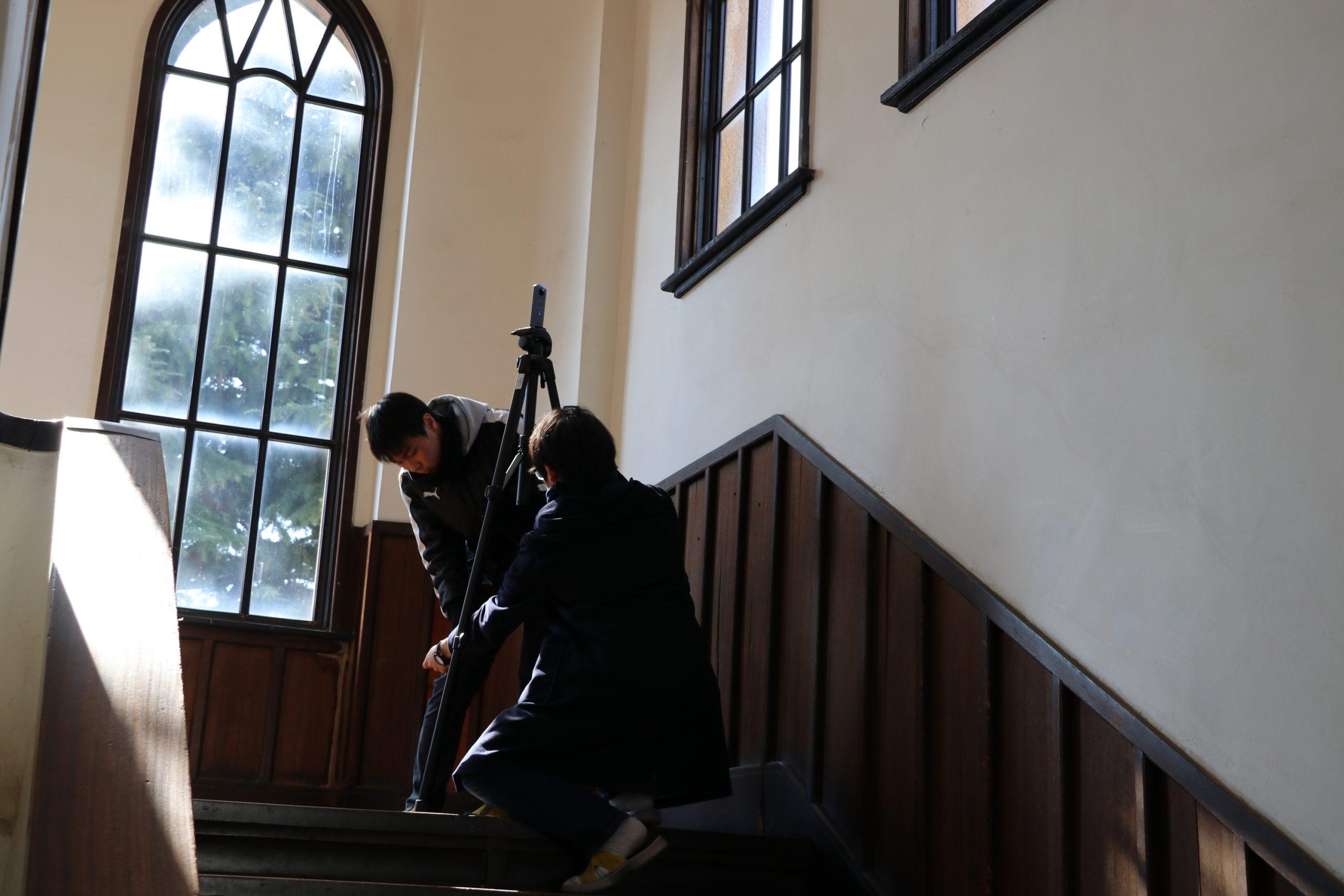 1棟3階から屋上へ上る階段の撮影